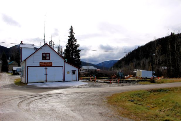 2016-breaking-ground-beside-the-wells-fire-hall-for-new-heated-garage